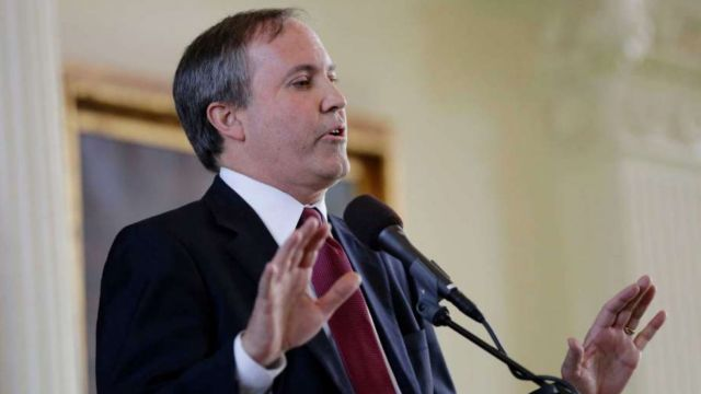 Court pauses criminal case against Texas' attorney general
