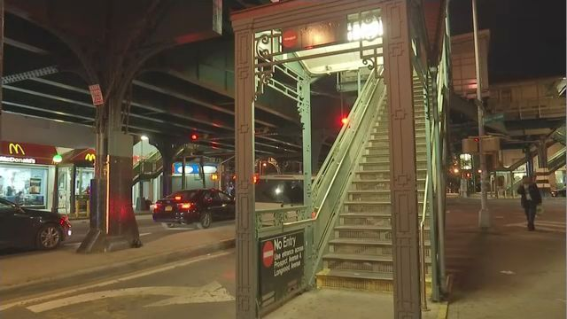 Pregnant woman, friend stabbed on subway in the Bronx, cops say