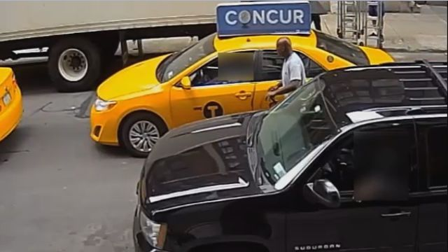 NYPD: Thief on bike grabs cash from Manhattan taxi drivers