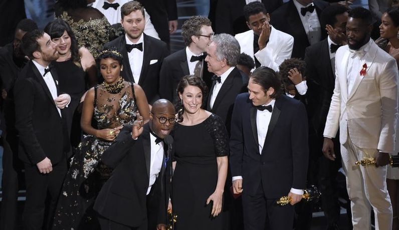 After Flub of Historic Proportions, 'Moonlight' Wins Over 'La La Land' for Oscars' Best Picture