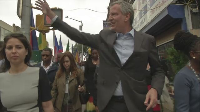 De Blasio campaigns in J'Ouvert area without mentioning the festival