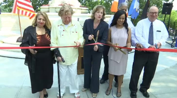 'Women's Plaza' unveiled in Kew Gardens, replacing controversial statue