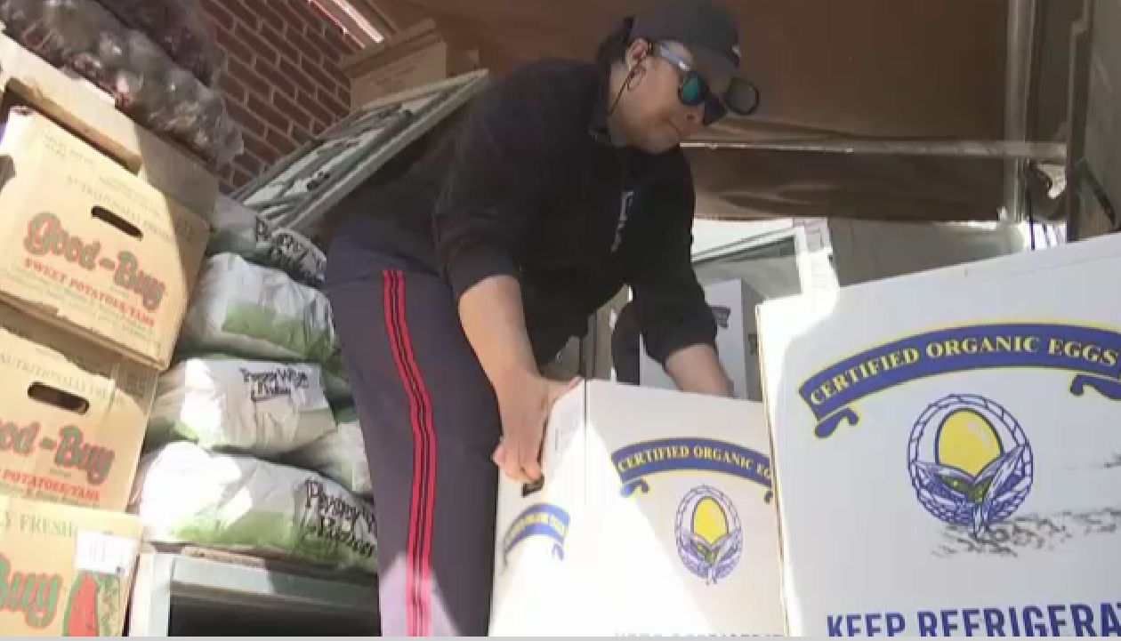 Queens People of the Week Donate Time to Food Pantry