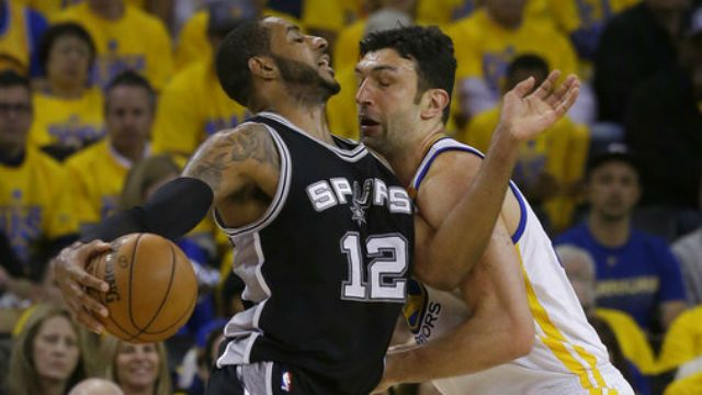 Spurs' Kawhi Leonard re-injures left ankle, done for Game 1