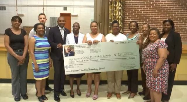 Grant will Help Schools in Southeast Queens with Technology