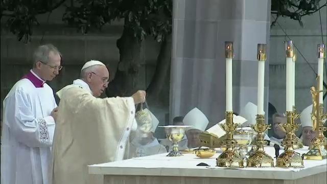 Pope Presides Over First Canonization of Saint on U.S. Soil