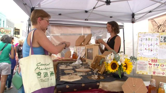 Buzzworthy Jeweler Shows Off Latest Designs at Pecan Street Festival