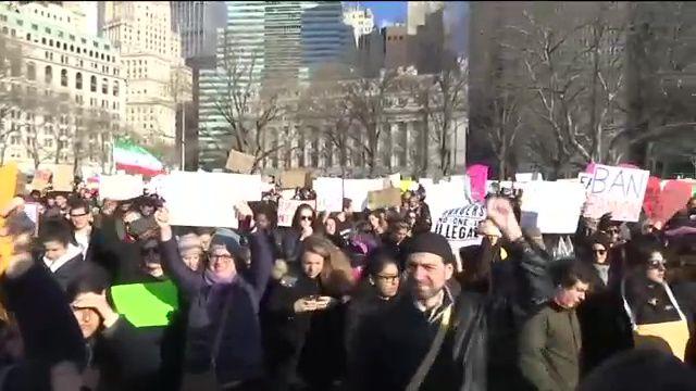 #NoBanNoWall March Denounces Trump Travel Ban