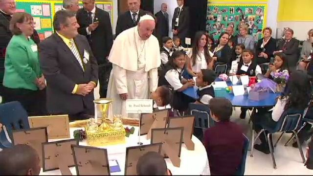 TWC News Online: Pope Francis Speaks to Students, Immigrants at Our Lady Queens of Angels School