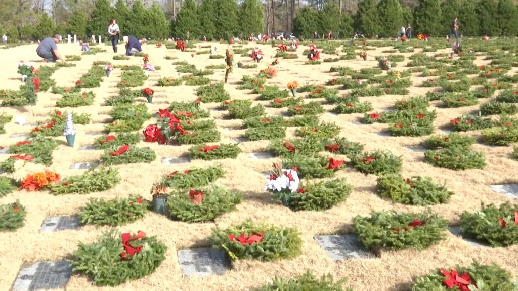 Wreath Laying Ceremony Held at Veterans Cemetery in Jacksonville