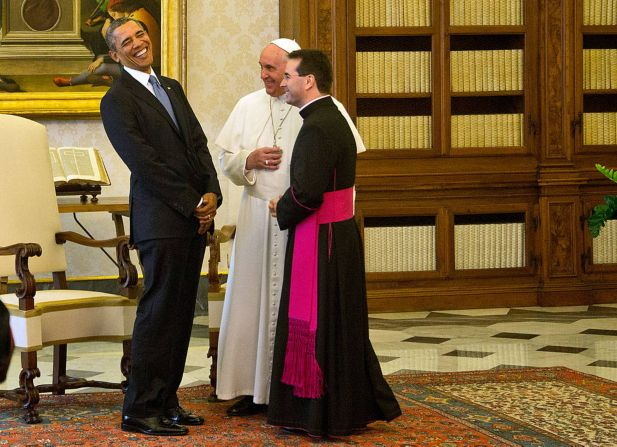 US President Barack Obama meets Pope Francis at his private library in the Apostolic Palace on March 27, 2014 in Vatican City, Vatican. The Pope welcomed his distinguished guest with a smile and 'Welcome' to the snaps of photographers from the world press covering the encounter.