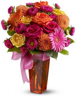 Strikingly Chic Flowers, Strikingly Chic Flower Bouquet - Teleflora.com