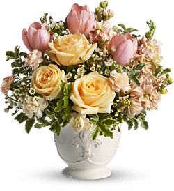 Teleflora's Peaches and Dreams Flowers