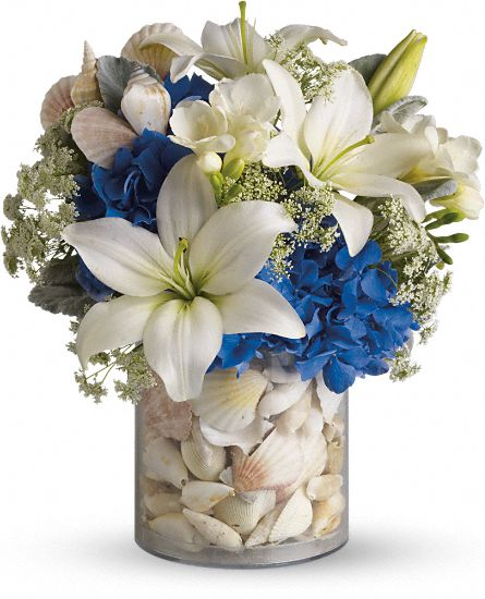 Everything's Beachy by Teleflora Flowers