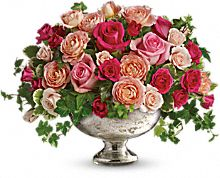 Teleflora's Queen's Court with Roses Bouquet