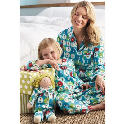 Mother/Daughter/Doll Pajamas – Holiday Dot