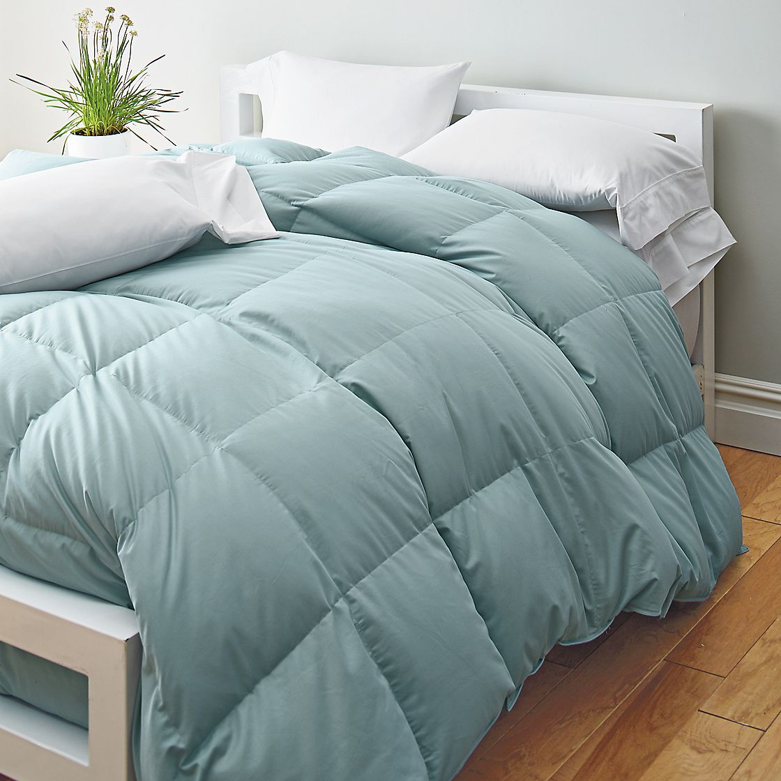 White Bay 174 Supersize Down Comforter The Company Store