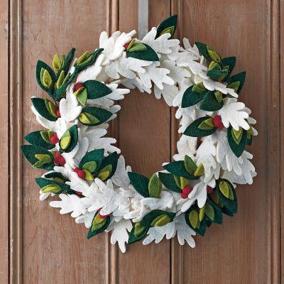 Holiday Felt Wreaths – Winter Leaf