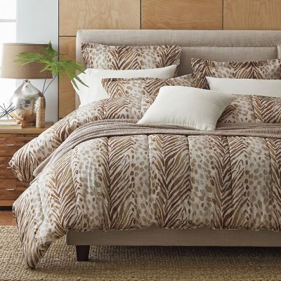 Safari 300-Thread Count Wrinkle-Free Comforter