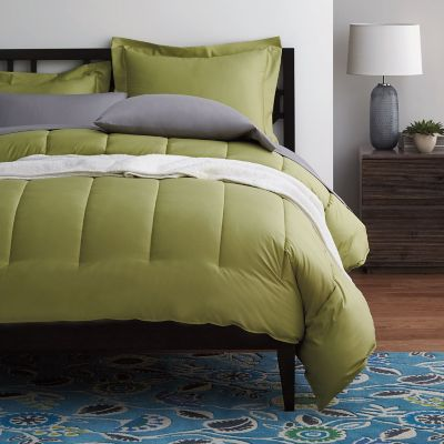 Wrinkle-Free 300-Thread Count Sateen Comforter