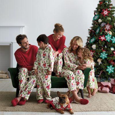 Santa's Coming Family  Pajamas