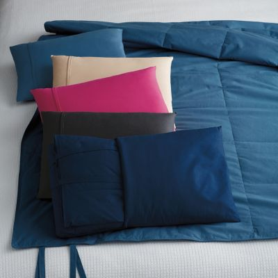 2-in-1 Down Free Travel Pillow & Throw