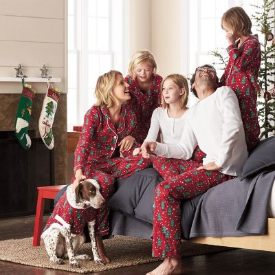 Family Pajamas – Hide And Seek