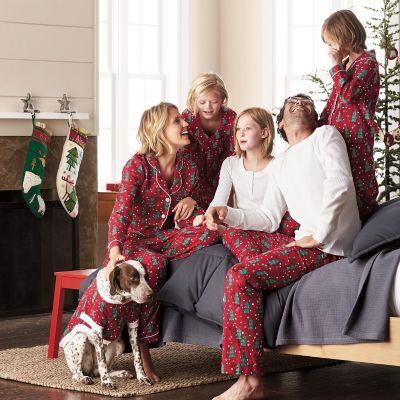 Family Pajamas – Hide And Seek