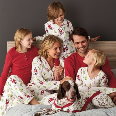 Family Pajamas – Skiing Santa