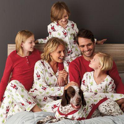 Family Pajamas – Skiing Santa