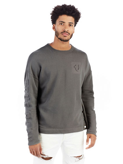 MENS 3D EMBOSSED LOGO FLEECE SWEATER