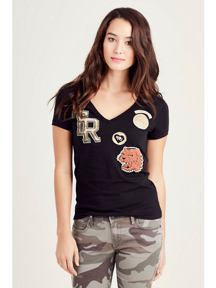 PRINTED PATCH VNECK WOMENS TEE