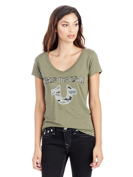 STUDDED CAMO HORSESHOE STUDDED ROUND NECK WOMENS TEE