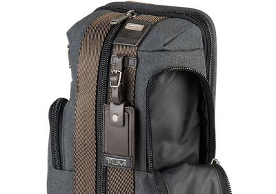 TUMI Innovation Image Icon - tumiWaterproofPocket