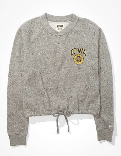 Tailgate Women's Iowa Hawkeyes Cropped Sweatshirt