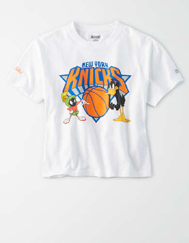 Tailgate Women's NY Knicks x Looney Tunes Cropped T-Shirt
