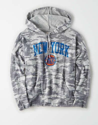 Tailgate Women's NY Knicks Camo Plush Hoodie