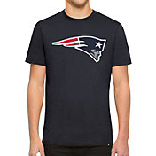 '47 Men's New England Patriots Knockout Fieldhouse Applique T-Shirt