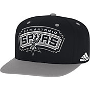 adidas Men's San Antonio Spurs On-Court Adjustable Snapback Hat
