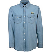 Antigua Men's Green Bay Packers Chambray Button-Up Shirt