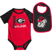 Colosseum Athletics Infant Georgia Bulldogs Red/Black Rookie Onesie and Bib Set
