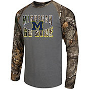 Colosseum Athletics Men's Michigan Wolverines Grey/Camo Break Action Long Sleeve Shirt