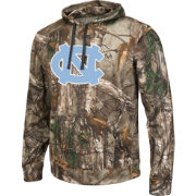 Colosseum Athletics Men's UNC Tar Heels Camo Breech Pullover Hoodie