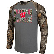 Colosseum Athletics Men's Wisconsin Badgers Grey/Camo Break Action Long Sleeve Shirt