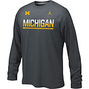 Jordan Youth Michigan Wolverines Anthracite Staff Sideline Long Sleeve Shirt