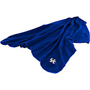 Kentucky Wildcats Huddle Throw