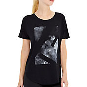 lucy Women's Final Rep  Bar Art T-Shirt