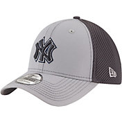 New Era Men's New York Yankees 39Thirty Grayed Out Grey Flex Hat