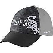 Nike Men's Chicago White Sox Dri-FIT Black/Grey Swoosh Flex Fitted Hat