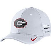 Nike Men's Georgia Bulldogs White Vapor Sideline Coaches Hat